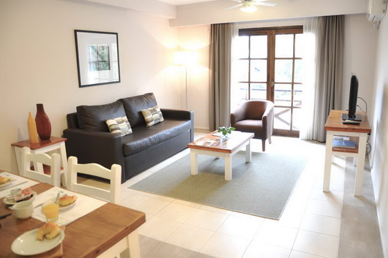 Green sea apart hotel pinamar 2 ambientes for Living y cocina integrados